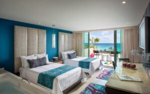 Platinum Deluxe Room with Double Beds