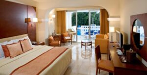 Deluxe Junior Suite with Pool Access (Only for 13+ years old) PSS