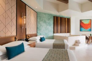 Junior Suite with Pool View HL